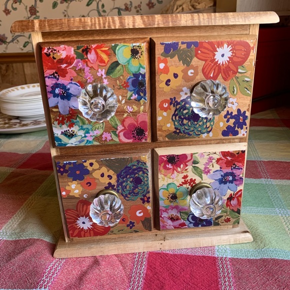 The Pioneer Woman Kitchen The Pioneer Woman Spice Tea Box W Drawers Poshmark
